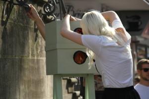 Luisa Schürmann, Blitzer (diverse Materialien, Holz, Kamera, 2013)