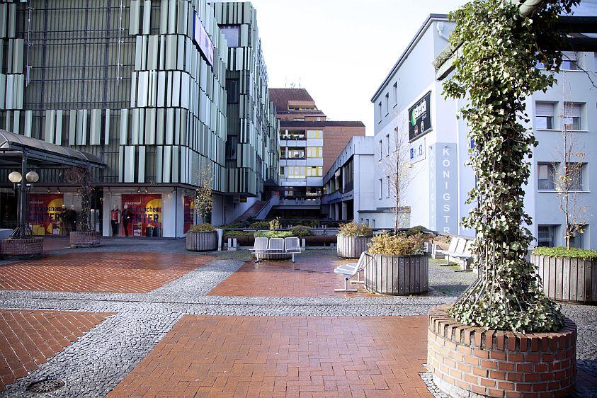 Fußgängerzone: Königsplatz in Paderborn
